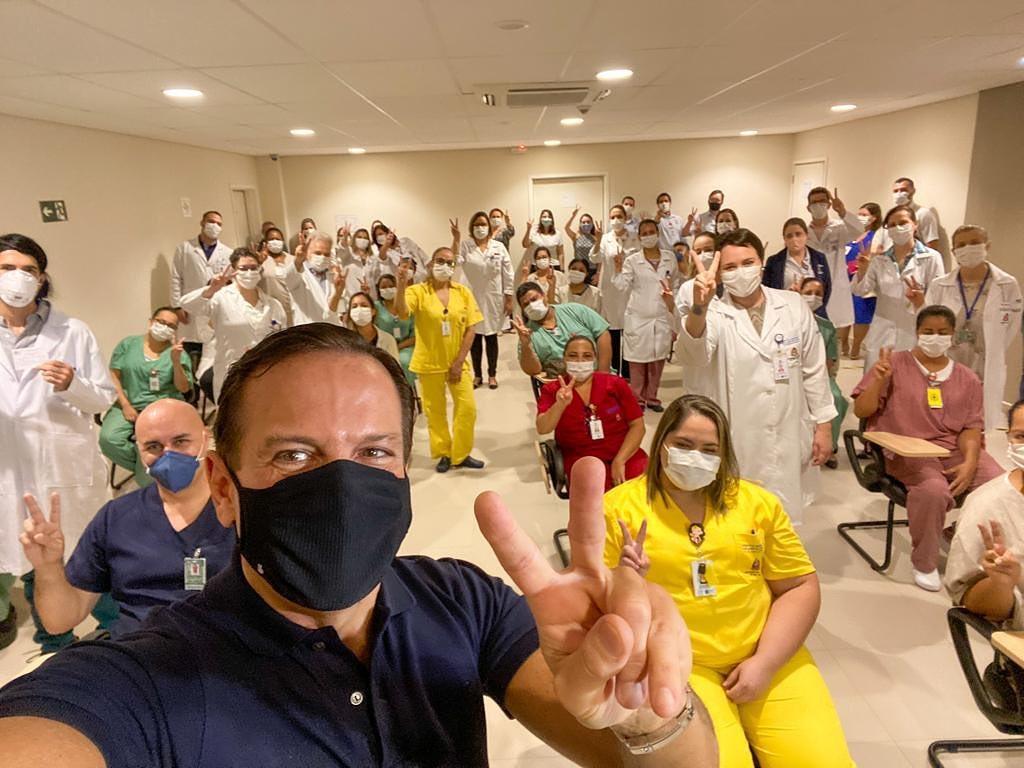 Falso: Doria não anunciou que crianças começarão a ser vacinadas com o início das aulas presenciais (Foto: Instagram/@jdoriajr)