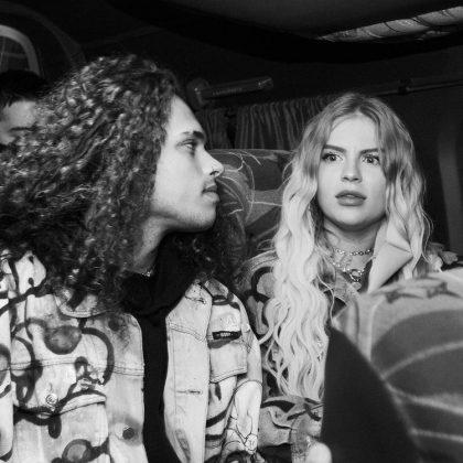 """Os turistas teriam gritado """"meu casal!"""", fazendo menção a um meme que surgiu na Internet depois que Vitão e a cantora anunciaram o namoro. Ao ouvir o comentário, o músico foi tirar satisfação. (Foto: Instagram)"""