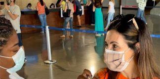 Fátima Bernardes aproveitou a manhã desta quinta-feira (3), para tomar a primeira dose da vacina contra a Covid-19. (Foto: Instagram)