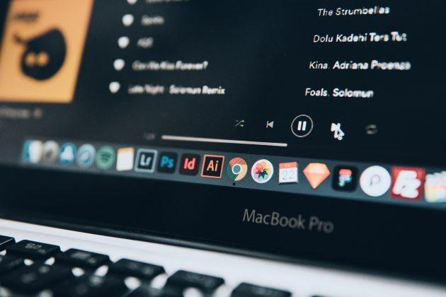 Você sabia que é possível criar listas colaborativas em aplicativos como Spotify, Deezer e Apple Music? É bem legal. (Foto: Unsplash)